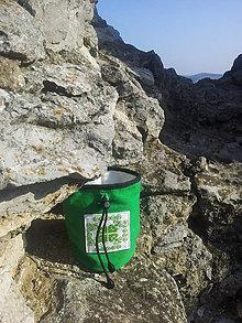 Iné tašky - Zelené vrecko na madžo s výšivkou - 9431987_