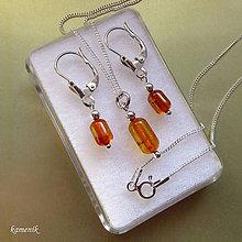 Sady šperkov - Stříbrná jantarová souprava náušnic a přívěsku - 9433639_