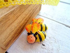 Galantéria - aplikácia včielka samolepiaca - 9434423_