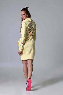 Šaty - Teplákové šaty s rolákom a výšivkou - 9438525_
