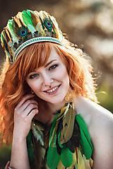 Zelená čelenka z peria