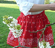 Sukne - Sukienka Bordúra Folk na červenej krátka - 9440467_