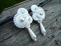 Náušnice - Soutache náušnice Svadobné biele perličkové - 9443889_