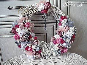 Dekorácie - Vence v ružovej romantickej farbe. - 9442651_