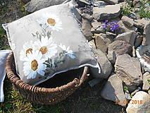 Úžitkový textil - Margarétky a bylinky - ľanový vankúš - 9446729_
