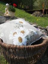 Úžitkový textil - Margarétky a bylinky - ľanový vankúš - 9446732_