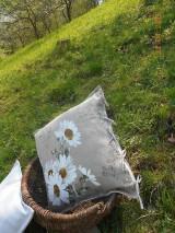 Úžitkový textil - Margarétky a bylinky - ľanový vankúš - 9446737_