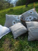 Úžitkový textil - Margarétky a bylinky - ľanový vankúš - 9446738_