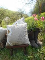 Úžitkový textil - Margarétky a bylinky - ľanový vankúš - 9446742_