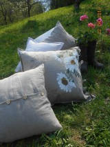 Úžitkový textil - Margarétky a bylinky - ľanový vankúš - 9446771_