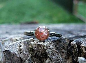 Prstene - Strieborný Prsteň so Slnečným kameňom - 9447628_
