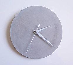 Hodiny - Ručne vyrobené nástenné hodiny – Pure concrete mini - 9447425_
