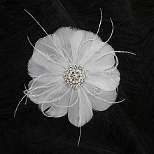 Ozdoby do vlasov - Okrúhla biela sponka z pierok - 9447389_