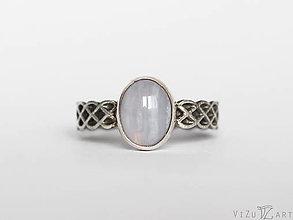Prstene - Strieborný prsteň s chalcedónom - Celtic Voice - 9448501_