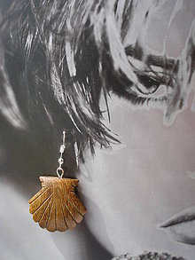 Náušnice - Náušničky - drevené mušličky - 9448708_
