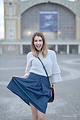 Denimová sukňa tmavá s protizáhybom
