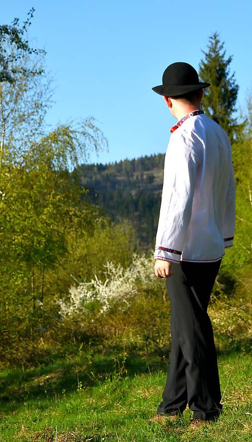 Folklórna pánska košeľa