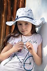Detské čiapky - Letný klobúk jemné kvietky - 9451452_