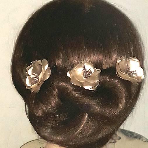 Ružičky do vlasov