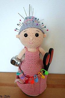 Bábiky - Pomocníček - ihelníček