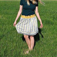 Sukne - Prúžkovaná sukňa so žltým pásom - 9462335_