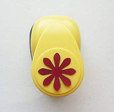 Pomôcky/Nástroje - Raznica - dierovačka na papier, 25 mm, kvet, sedmokráska - 9459453_