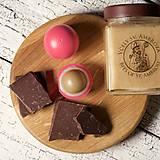 Drogéria - med a čokoláda - balzam na pery s panenským včelím voskom - 9461533_