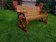 Nábytok - Drevená lavička lásky , kolesa - 9459035_