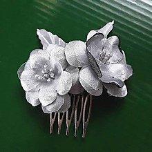 Ozdoby do vlasov - Hrebienok strieborné ruže s listami - 9461516_