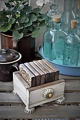 Pomôcky - Sada drevených dlaždíc aj s debničkou - 9459052_