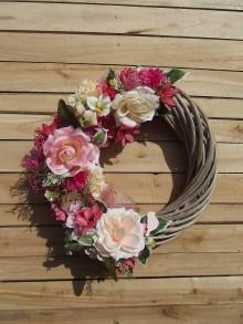 Dekorácie - Kvetinový veniec Rose - 9464963_