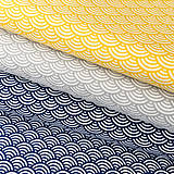 modré vlnky; 100 % bavlna Nemecko, šírka 140 cm, cena za 0,5 m