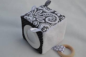 Hračky - Čierno-biela montessori kocka - 9464888_