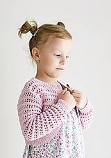 Detské oblečenie - Dievčenské pletené bolerko - 9467285_