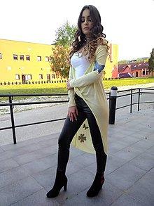 Svetre Pulóvre - svetrík - originálny z kolekcie JEANS žltý - 9468733  ee7249eb4b