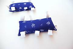 Hračky - Montessori úchopový vankúšik s rolničkou - modrotlač - 9473791_