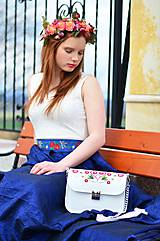 Kabelky - LEA kabelka vyšívaná (biela) - 9474515_