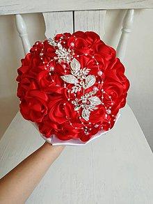 Kytice pre nevestu - Červené ruže a šperk - 9475674_