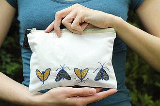 Taštičky - Ľanová taštička | vyšívané motýle - 9478581_