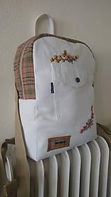 Batohy - Recyklovaný batoh s výšivkou - 9481173_