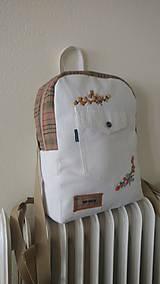 Batohy - Recyklovaný batoh s výšivkou - 9481175_