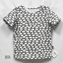 Detské oblečenie - Obláčikové šedé krátky rukáv - 9483270_