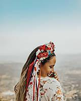 Ozdoby do vlasov - Menšia folklórna parta so stuhami a čipkami - 9484412_