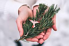 Odznaky/Brošne - Drevená brošna - Dear hummingbird pink - 9487175_