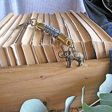 Kľúčenky - karabína s nábojnicami a príveskom Slon - 9490750_