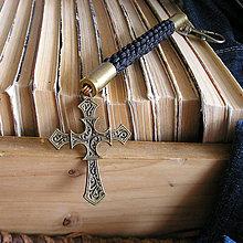 Doplnky - karabína s nábojnicami a príveskom Kríž - 9490789_