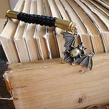 Kľúčenky - karabínka s nábojnicami a príveskom Netopier - 9490925_
