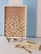 - Svadobný rám so srdiečkami drevo/biela (Rám so srdiečkami + pero) - 9494704_
