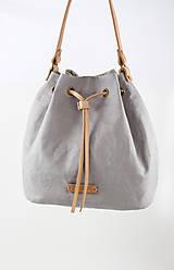 Kabelky - Šedý elegantný batôžtek z nepremokavého francúzskeho ľanu