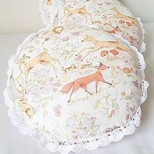 Textil - Gulaté vankúšiky lesné zvieratká s čipkou - 9492400_